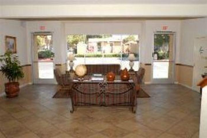 Pet Friendly Guesthouse Inn & Suites Upland