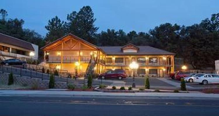 Best Western Plus Yosemite Gateway Inn Is Pet Friendly