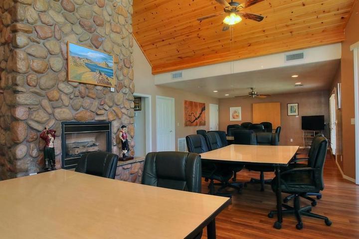 Pet Friendly Majestic Mountain Inn