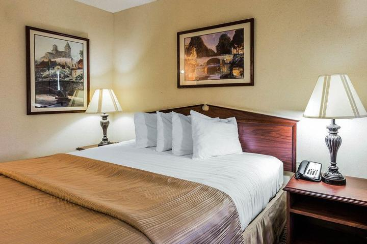 Pet Friendly Quality Inn Birmingham Trussville