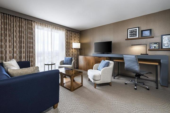 Pet Friendly Sheraton Toronto Airport Hotel & Conference Centre