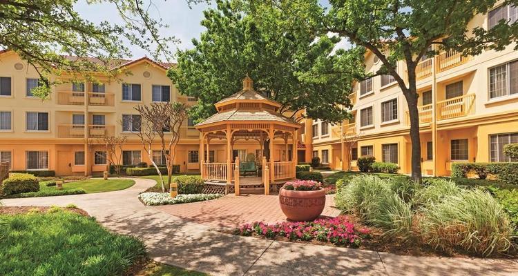 La Quinta Inn & Suites Dallas DFW Airport North Pet Policy