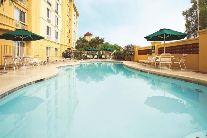 Pet Friendly La Quinta Inn & Suites Mesa Superstition Springs