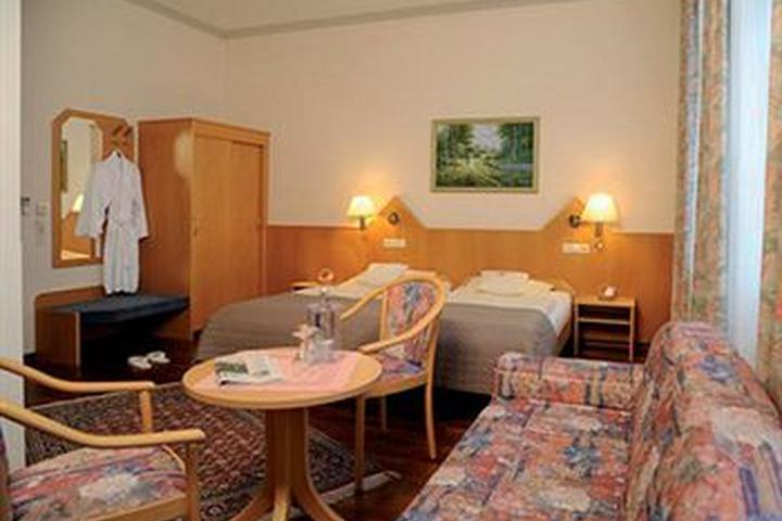 Pet Friendly Hotels In Bad Homburg De Bring Fido