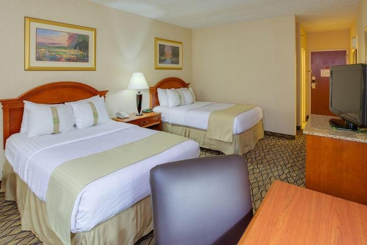 Pet Friendly Burrstone Inn, Ascend Hotel Collection
