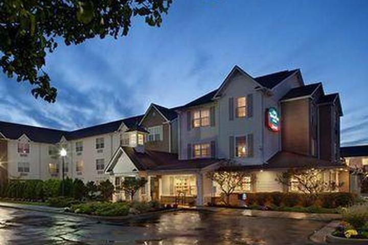 Pet Friendly TownePlace Suites by Marriott Cleveland Streetsboro
