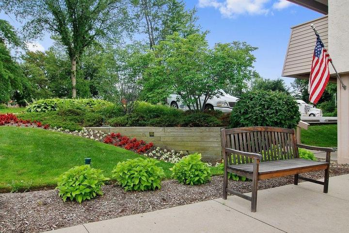 Pet Friendly Red Roof Inn Cleveland East Willoughby