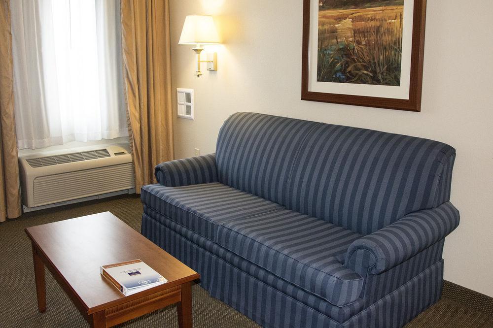 candlewood suites kalamazoo pet policy. Black Bedroom Furniture Sets. Home Design Ideas