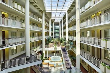 Pet Friendly Embassy Suites Parsippany
