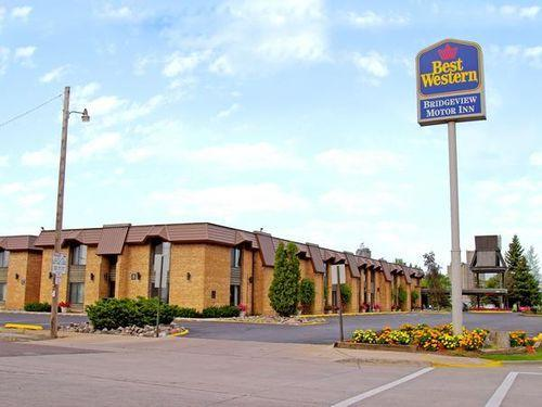 pet friendly hotels in superior, wi bring fido pet policies \u0026 reviewspet friendly best western bridgeview hotel in superior, wi