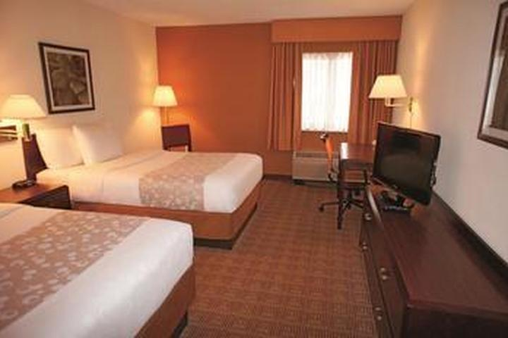 Pet Friendly La Quinta Inn & Suites Salem