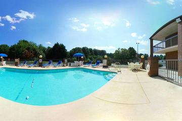 Pet Friendly Quality Inn Mount Airy