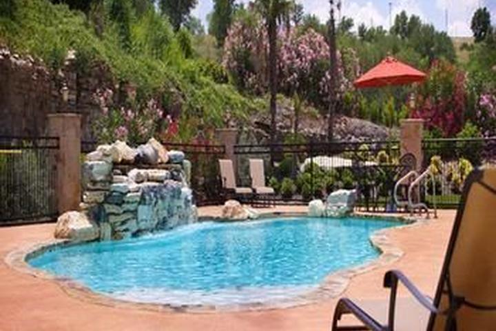 Pet Friendly La Quinta Inn & Suites Marble Falls