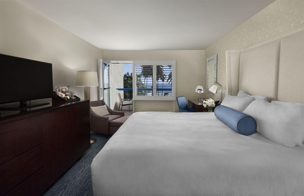 Ocean view hotel pet policy for Dog daycare santa monica