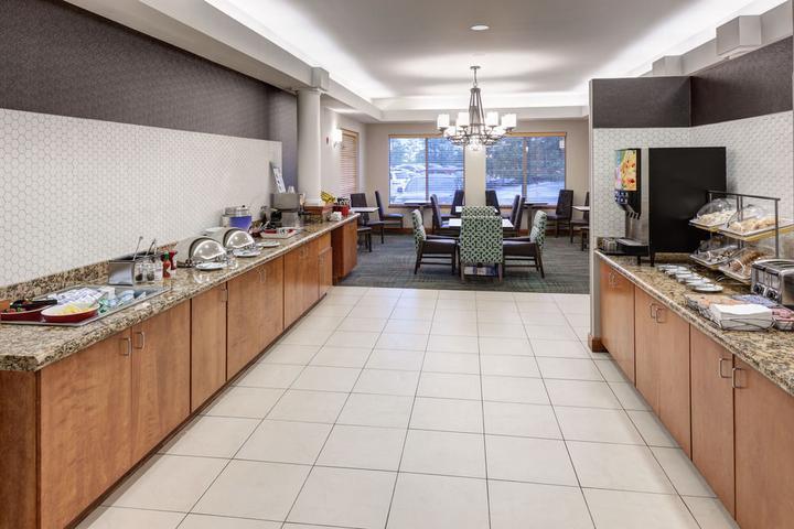 Pet Friendly Residence Inn by Marriott Chicago Mettawa