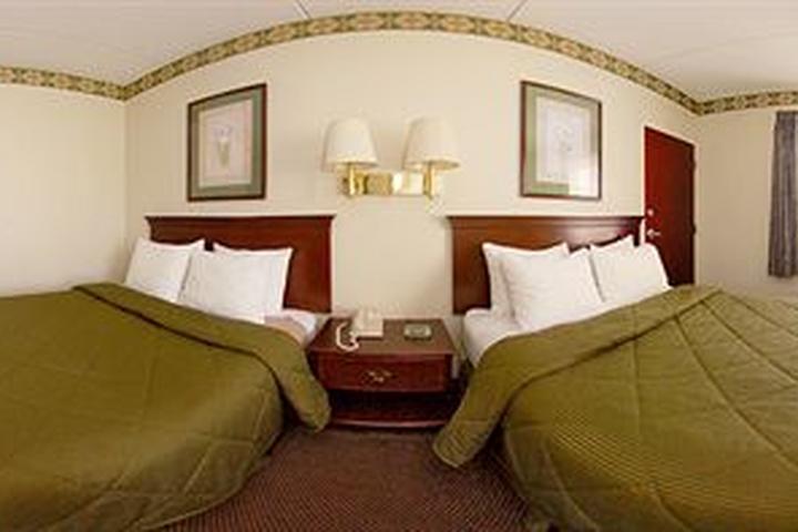 Pet Friendly Comfort Inn & Suites Morganton