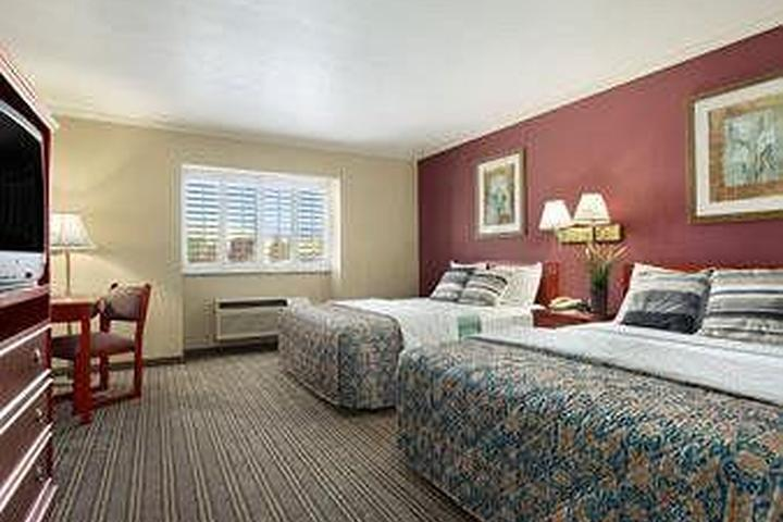 Pet Friendly Days Inn of West Covina
