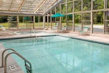 Pet Friendly Baymont Inn & Suites Bridgeport