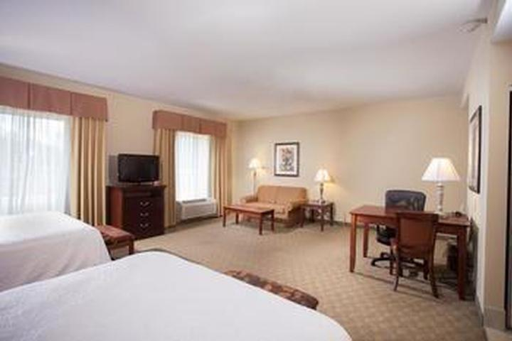 Pet Friendly Hampton Inn & Suites Southern Pines