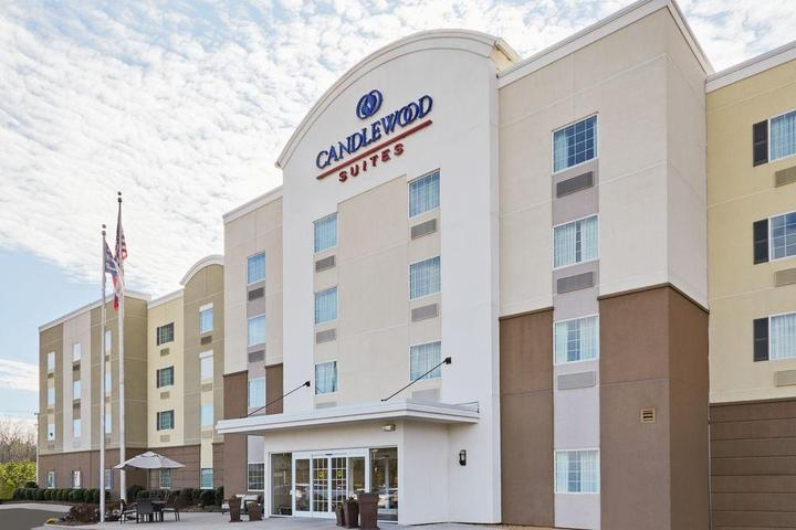 Pet Friendly Candlewood Suites Fayetteville Fort Bragg