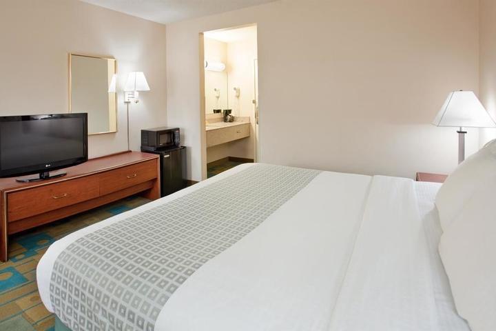 Pet Friendly La Quinta Inn & Suites Des Moines West Clive