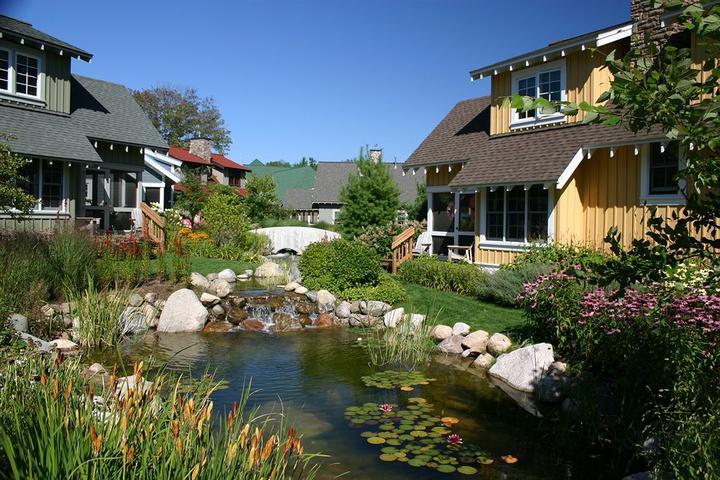 Pet Friendly Crystal Mountain Resort & Spa