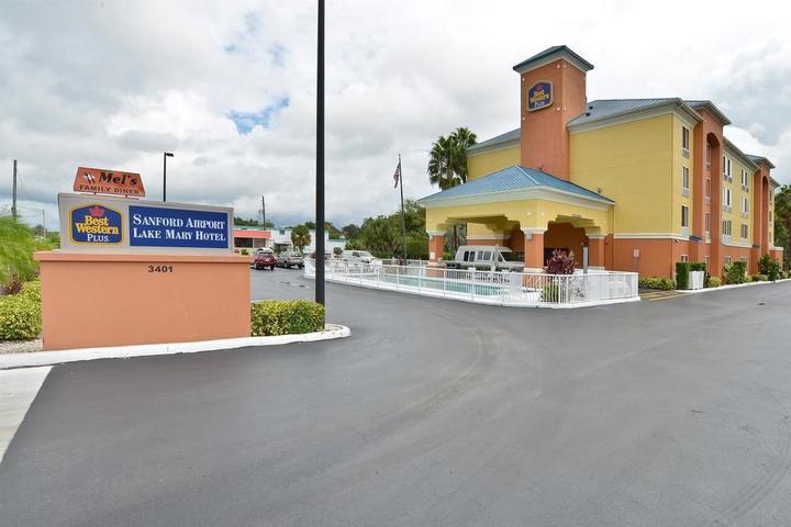 Pet Friendly Best Western Plus Sanford Airport/Lake Mary Hotel
