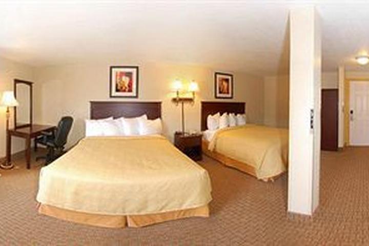 Pet Friendly Quality Inn & Suites Toppenish