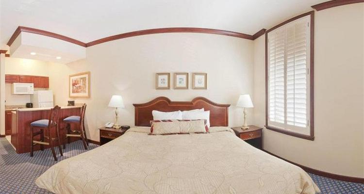 Brilliant Staybridge Suites Savannah Historic District Pet Policy Download Free Architecture Designs Licukmadebymaigaardcom