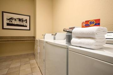 Pet Friendly Country Inn & Suites Beckley