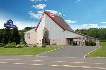 Pet Friendly Howard Johnson Inn Quebec City