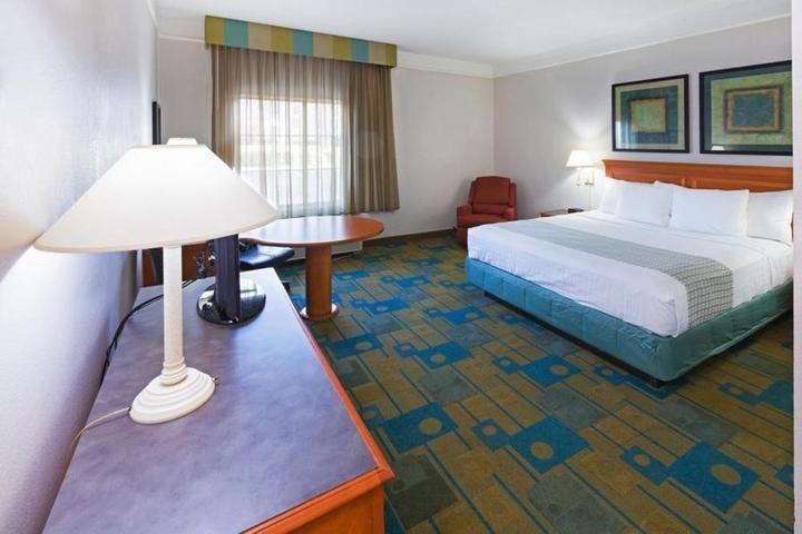 Pet Friendly La Quinta Inn & Suites Shreveport Airport