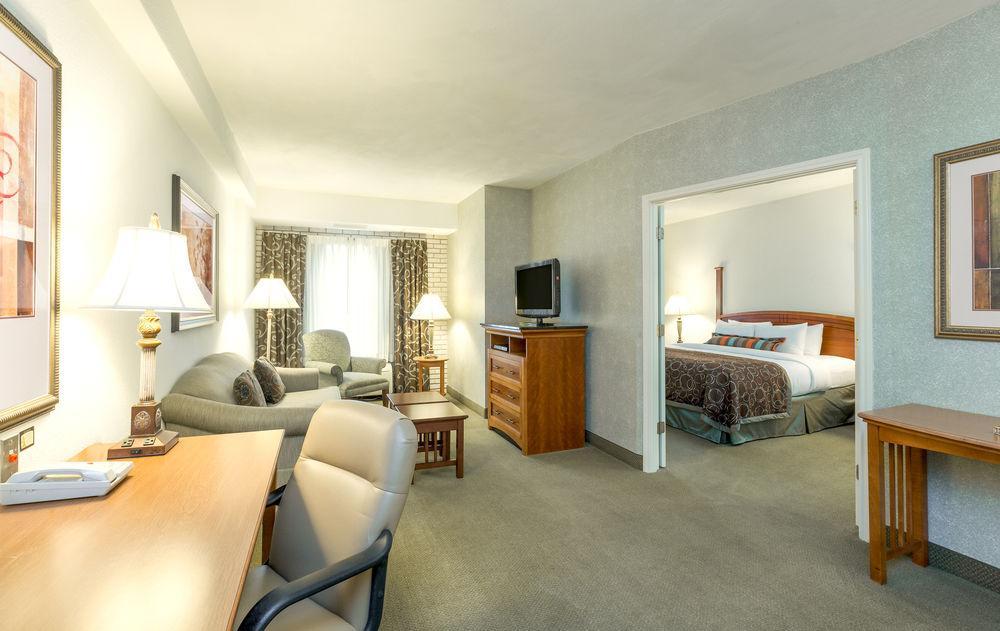 Lovely 2 Bedroom Suites In San Antonio Part   6  Bring Fido. 2 Bedroom Suites In San Antonio   Home Design Inspirations