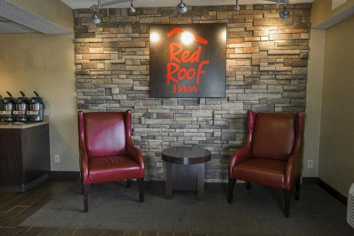 Pet Friendly Red Roof Inn Framingham