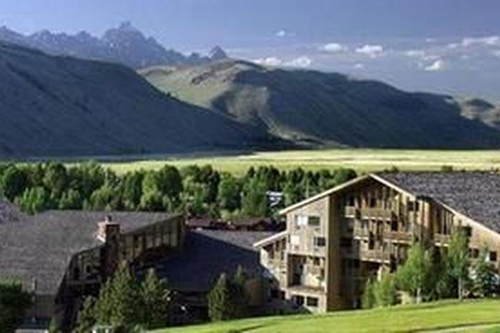 Pet Friendly Hotels in Jackson Hole, WY - Bring Fido