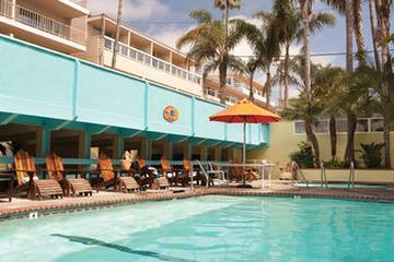Pet Friendly Pacific Edge Hotel on Laguna Beach