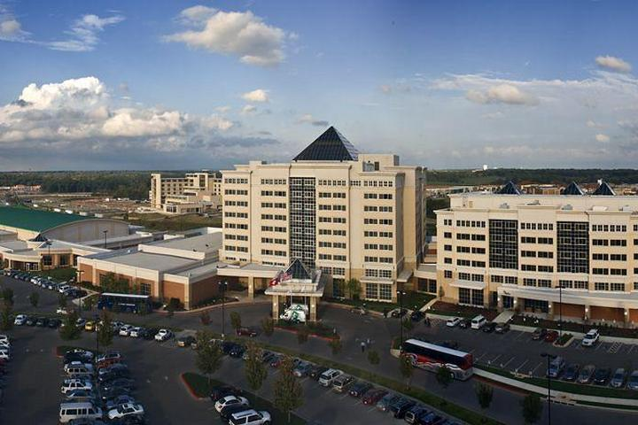 Pet Friendly Embassy Suites Northwest Arkansas Hotel & Convention Center