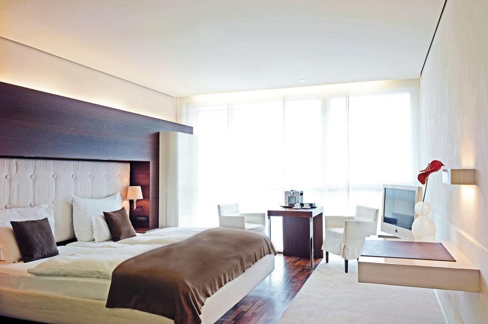 side design hotel pet policy. Black Bedroom Furniture Sets. Home Design Ideas