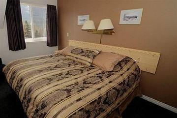 Pet Friendly Banff Boundary Lodge
