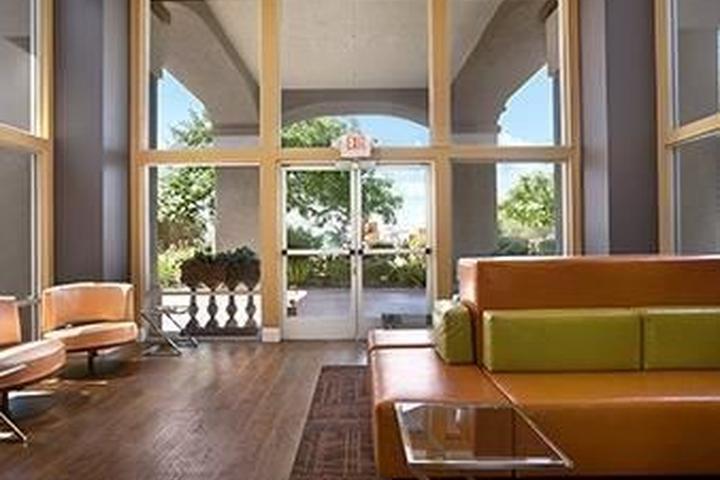 Pet Friendly Baymont Inn & Suites Modesto Salida