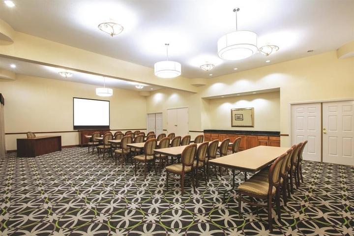 Pet Friendly Hotels In Gainesville Tx Bring Fido