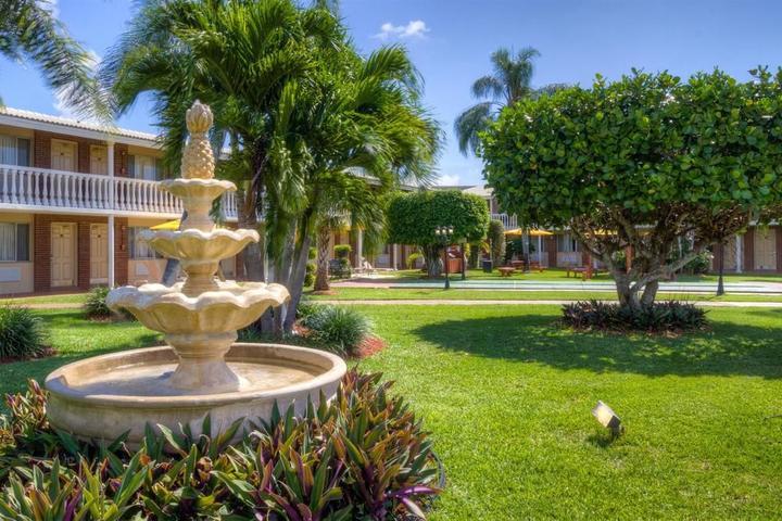 Pet Friendly Best Western Palm Beach Lakes