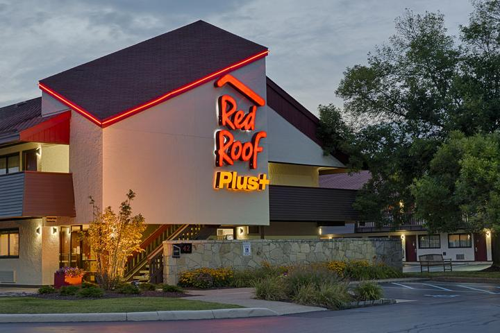 Pet Friendly Red Roof PLUS+ University at Buffalo Amherst