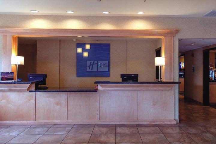 Pet Friendly Holiday Inn Express Portland East Troutdale