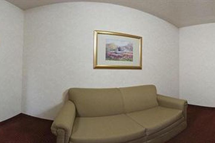 Pet Friendly Holiday Inn Express Hotel & Suites Dayton West Brookville