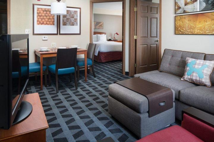 Pet Friendly TownePlace Suites by Marriott Seattle South Renton