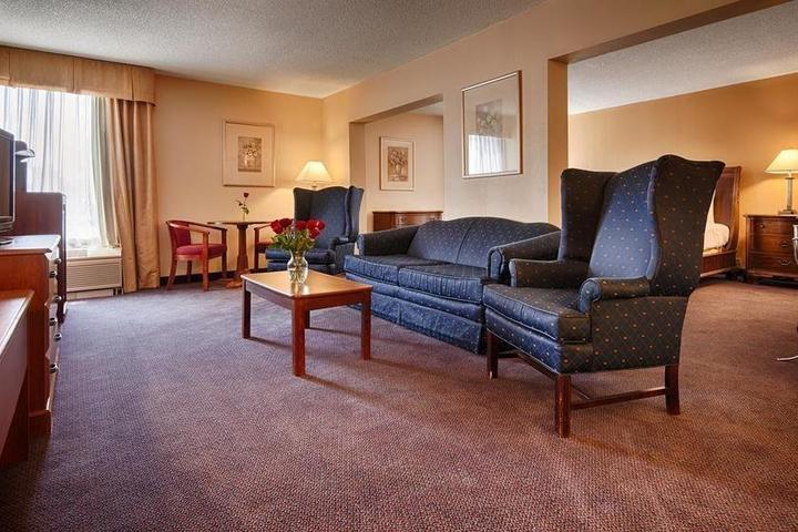 Pet Friendly Best Western Yadkin Valley Inn & Suites