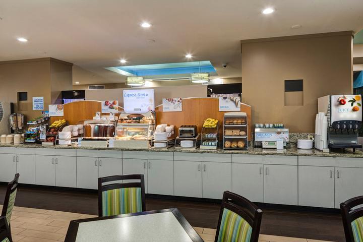 Pet Friendly Hotels in Charleston, SC - Bring Fido