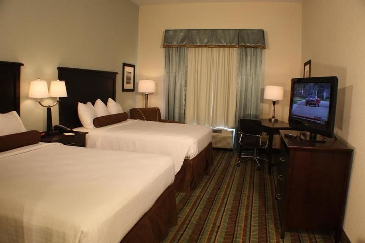 Pet Friendly Best Western Plus Chain of Lakes Inn & Suites