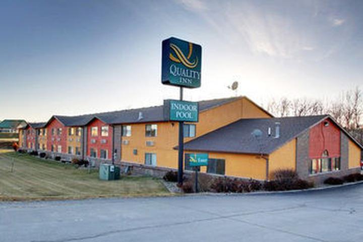 Pet Friendly Quality Inn Indianola near Des Moines
